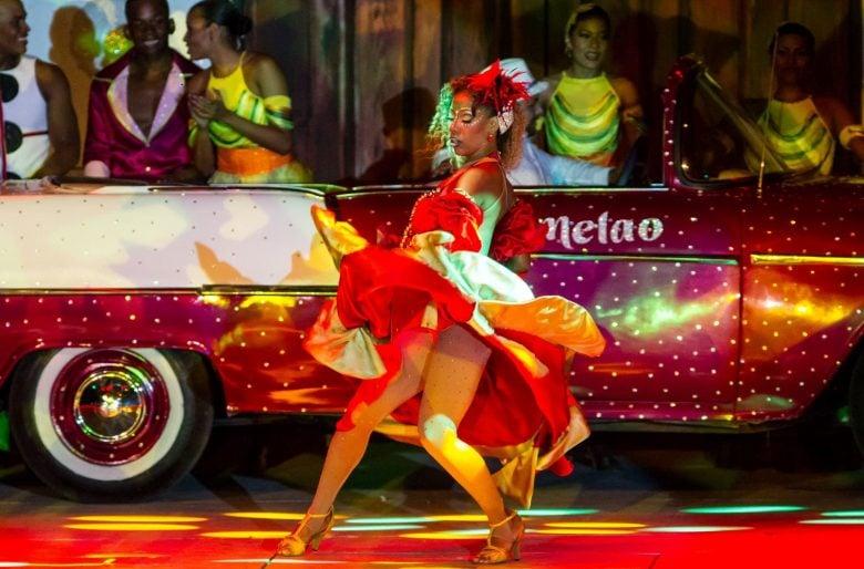 Delirio y su fórmula ganadora: salsa, circo y tecnología