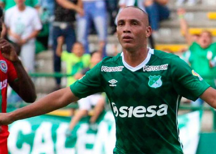 Mayer Candelo el rebelde que enloquece a los hinchas del Deportivo Cali.