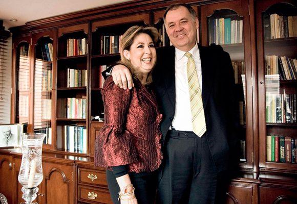 Alejandro Ordóñez arranca campaña con jefe de debate en casa, su esposa Beatriz Hernández