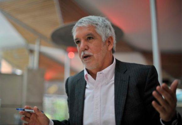 """Miente el alcalde Peñalosa: """"En los países avanzados no hay revocatoria"""""""