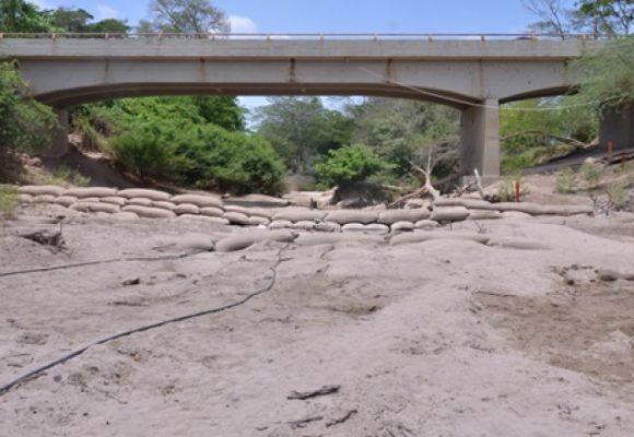 Las aguas del río Ranchería siguen represadas en El Cercado