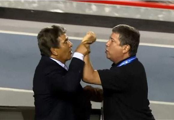 """""""A la colombiana, pensando siempre en la mala"""" el nuevo exabrupto de Bolillo Gómez"""