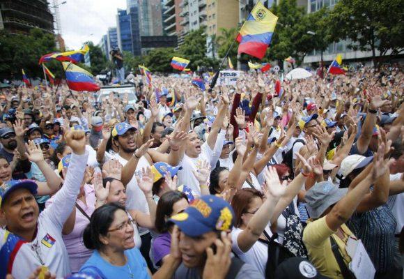 El plebiscito en Venezuela: una acción constitucional de desobediencia civil