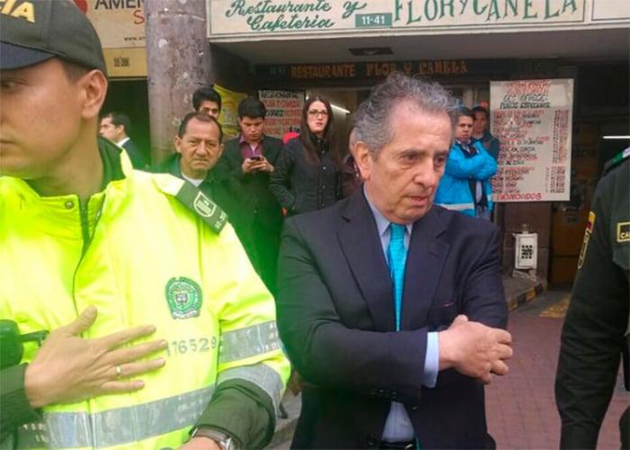 Arturo Vega Prieto, gerente de Fincomercio, agarró a golpes a una periodista