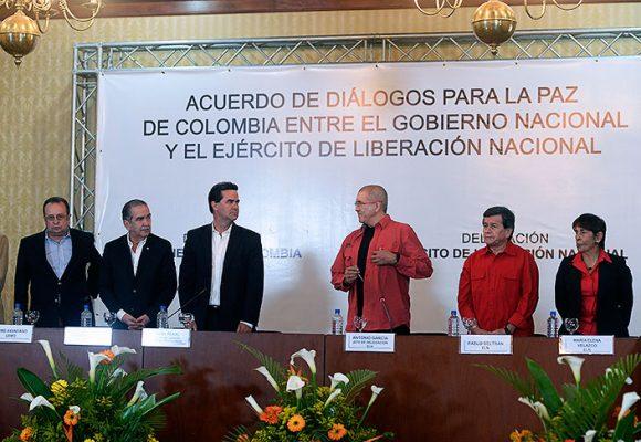 Gobierno colombiano y ELN tienen el desafío de distensionar y avanzar