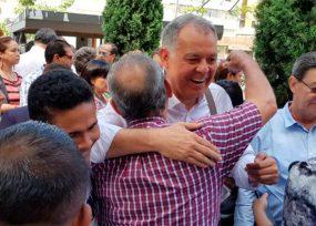 Ordóñez no les pagó a quienes les recogieron las firmas en Bucaramanga