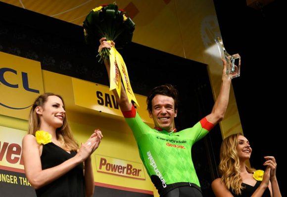 ¿Necesita el ciclismo tener chicas en el podio?