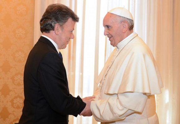 Digámosle al papa que canonice a Juan Manuel Santos