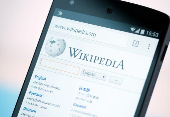 ¿Sirve corregir en Wikipedia?