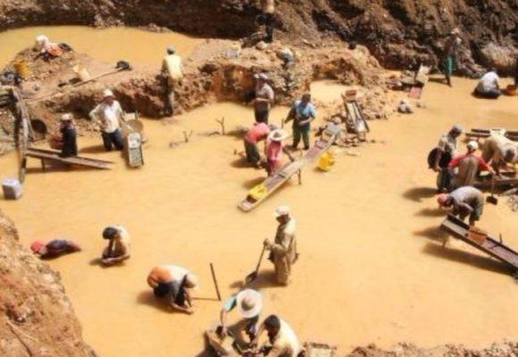 El paro minero, las transnacionales y Venezuela