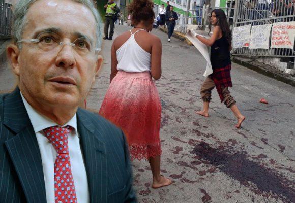 VIDEO: Tripas y sangre para despedir a Uribe de la Universidad de Manizales