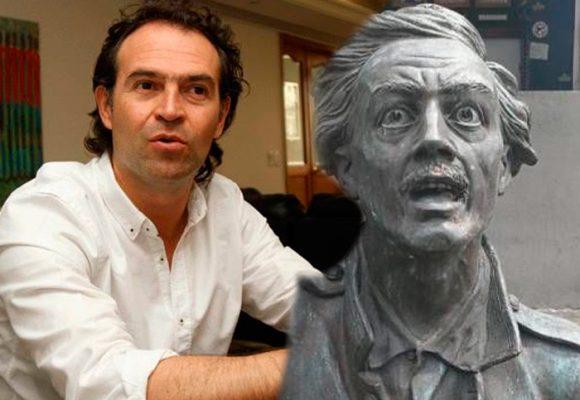 El alcalde de Medellín probó la eficacia en redes contra el hampa: la estatua del prócer Atanasio Girardot