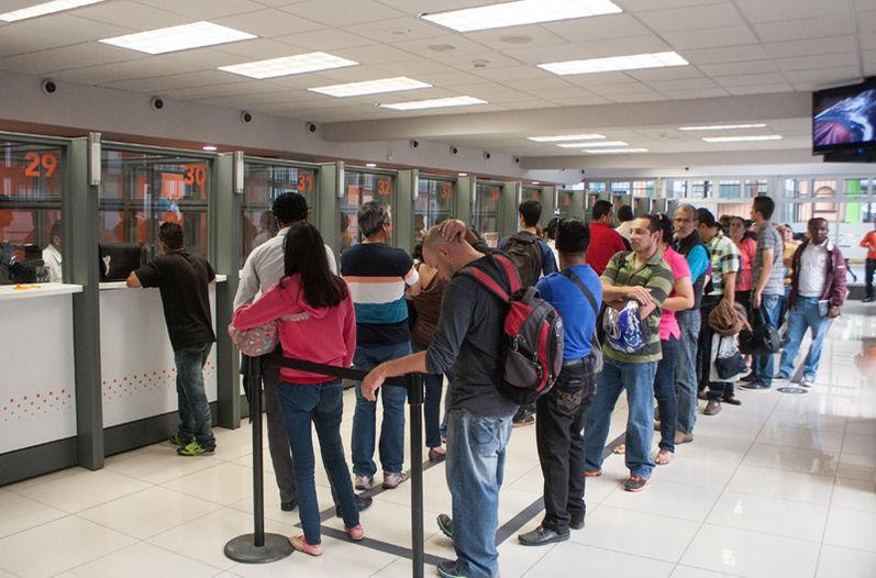 Tasas y tarifas del sector financiero en colombia - Fotos de bancos para sentarse ...