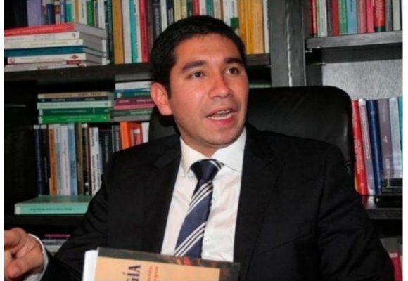El exfiscal Luis Gustavo Moreno rumbo Estados Unidos
