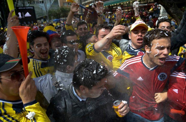 """Mejor no ir a un """"chuzo"""" lleno de gente a ver el partido de Colombia"""