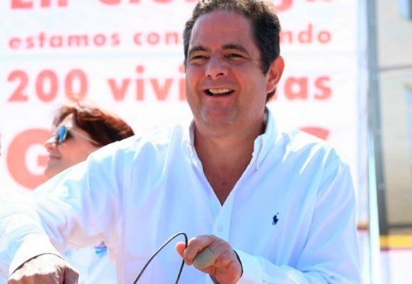Vargas Lleras se desmarca de Cambio Radical y va por firmas