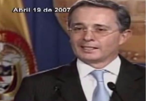 """El video en el que Uribe defiende al DAS: """"Esas personas no se cuidan tanto"""""""