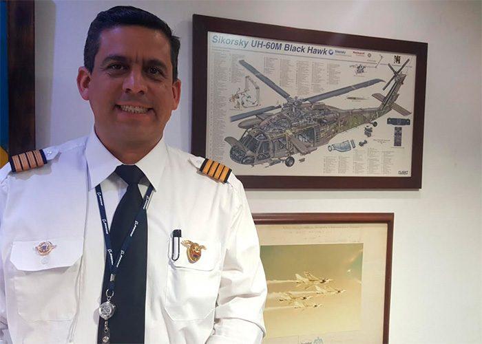 El templado capit n hern ndez la voz de los pilotos de for Oficina de avianca en madrid