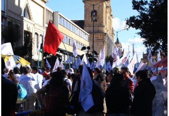 VIDEO: ¿Por qué la gente le caminó a las FARC a la Plaza de Bolívar?