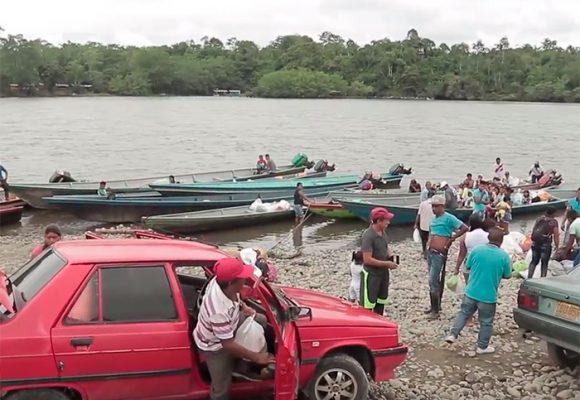 La Playa: un embarcadero improvisado para sobrevivir selva adentro en Tumaco