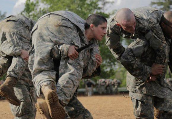 """Cuerpo de mujer, cuerpo de """"Marines"""""""