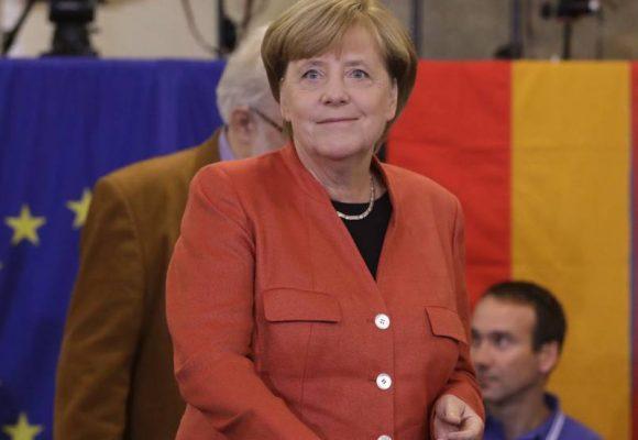 Angela Merkel gana su cuarto mandato y la extrema derecha entra al parlamento