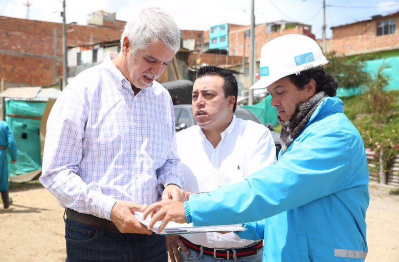 ¿Enrique Peñalosa, el fabricante de logros falsos?