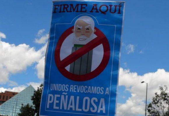 Comité revocatorio de Peñalosa pretendió sustentar su contabilidad hasta con publicaciones de Facebook
