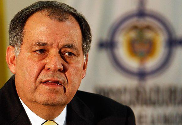 Ordoñez se adelantó a informar en Facebook que la Corte Suprema le abrió de investigación