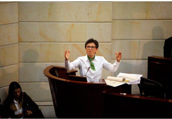 """""""Claudia López, con su histeria y vulgaridad, dañó el debate contra la corrupción"""""""