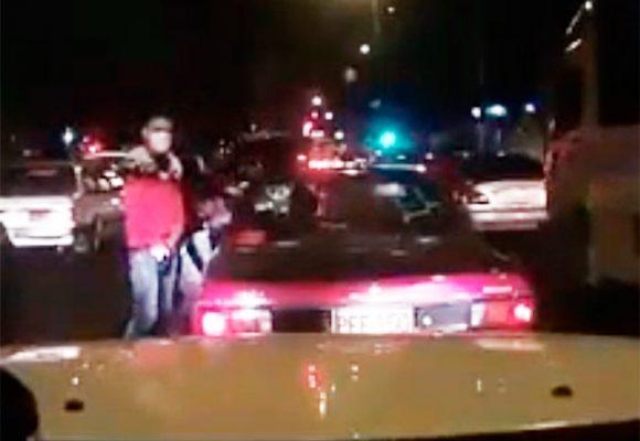 EN VIDEO: Así atracan a mano armada en Bogotá durante los trancones