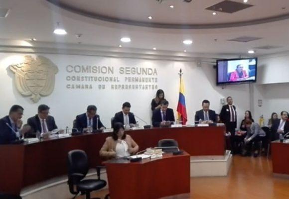 Nadie ha dicho nada sobre el debate de control político del impuesto de timbre a los colombianos en el exterior