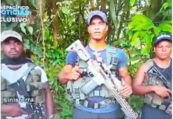"""VIDEO: """"No lanzamos cilindros contra la policía ni contra la comunidad"""", disidentes de las Farc en Tumaco"""