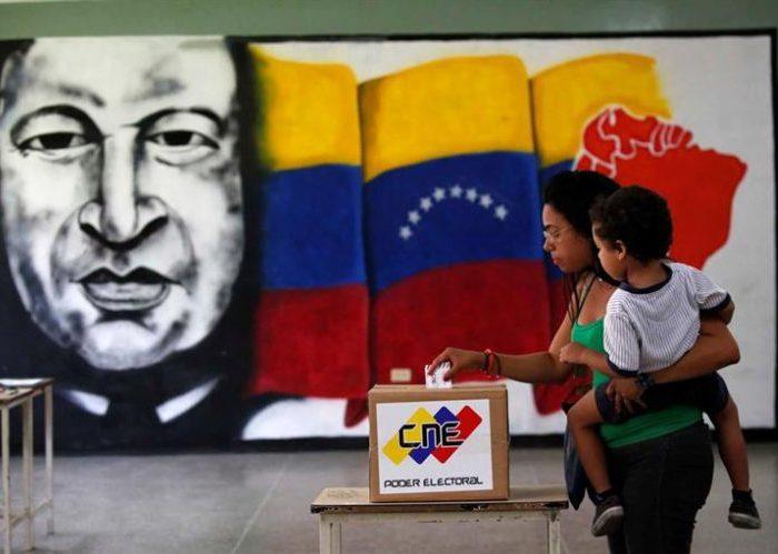 """""""La fórmula chavista empleada para derrotar la violencia y salir de la crisis política se llama democracia"""""""
