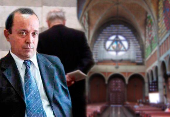 El cura de Los 12 apóstoles, el grupo de Autodefensas que tiene en la cárcel a Santiago Uribe Vélez, da misa en Medellín