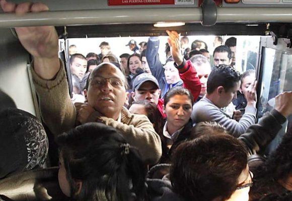 TransMilenio no solo aplasta las extremidades, también la dignidad