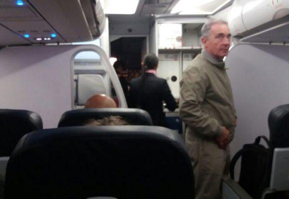 A Uribe el paro de Avianca lo puso a viajar en Viva Colombia