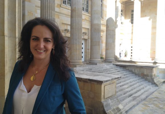 María Fernanda Cabal se defiende