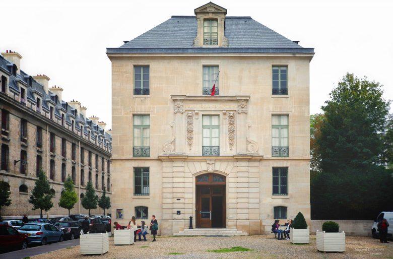 Encuentro de escritores colombianos en la Biblioteque L'Arsenal en París