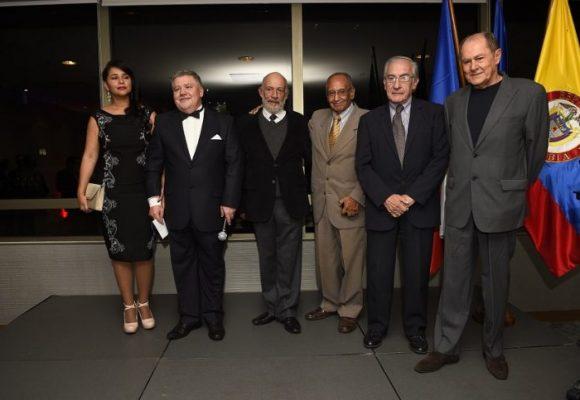Conmemoran el Día Nacional de Chequia con galardón para directores de cine colombiano
