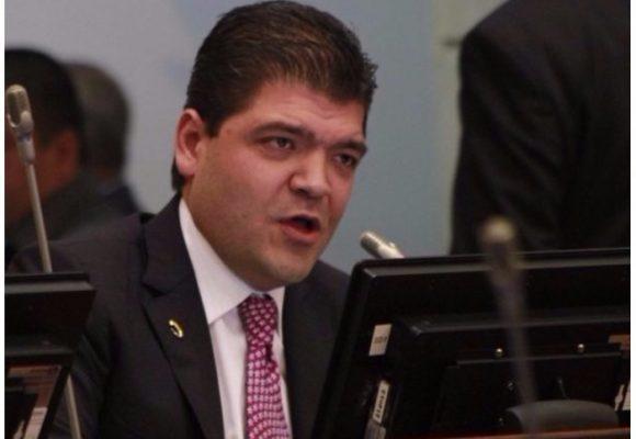 Juan Diego Gómez, el senador conservador que puso al gobierno contra las cuerdas con la JEP