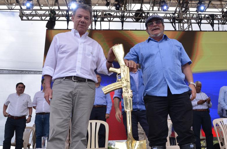 Colombia, sin armas no hay paraíso