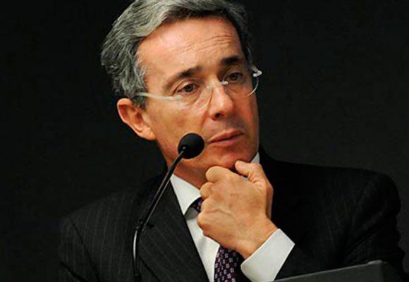 """""""Estoy mamada del protagonismo que le dan a Álvaro Uribe"""""""