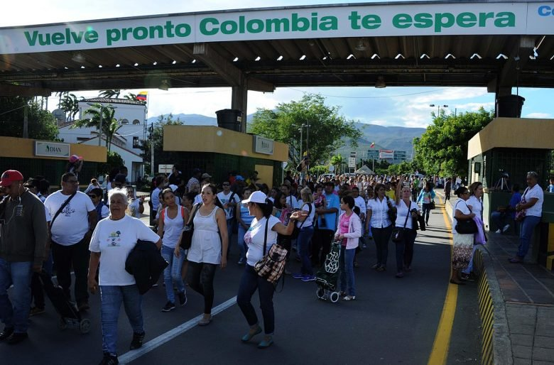 Compatriotas, paguemos hoy nuestra deuda con los hermanos venezolanos