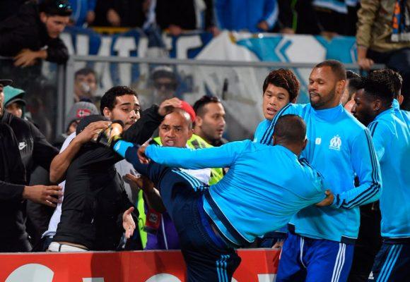 VIDEO: El patadón que le propinó Patrice Evra, jugador francés, a un hincha