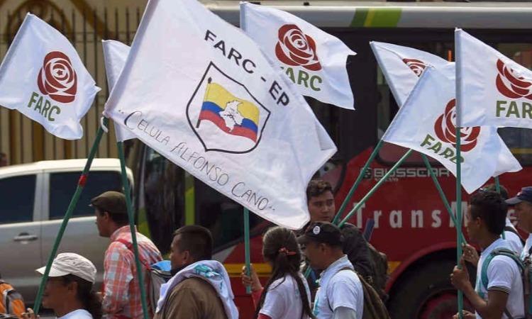 Colombianos: acostúmbrense