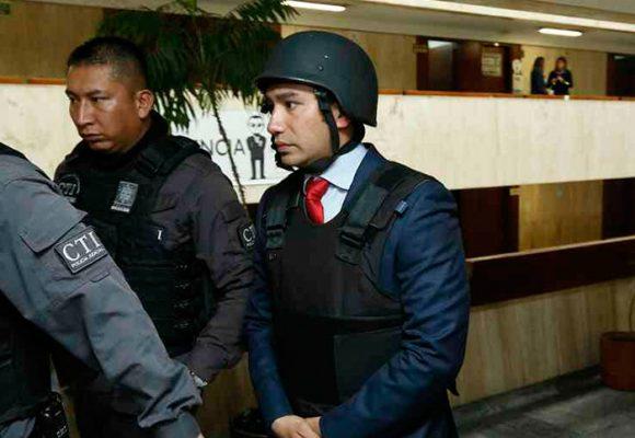 A quién le teme Gustavo Moreno que lo puso a usar chaleco antibalas y casco