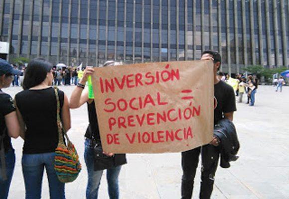 ¿Profesionales de las ciencias sociales en contra de las comunidades?