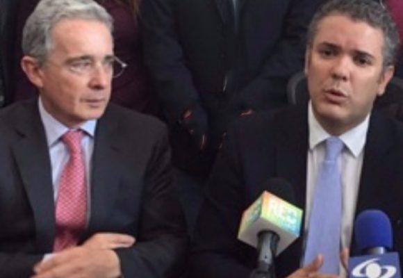 ¿Por qué ya no quieren tanto a Uribe en el Centro Democrático?