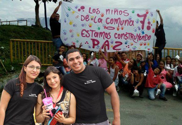 El Cartel de los buenos: se buscan menores de 25 con ideas que salven vidas en Medellín
